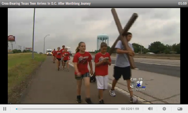 Texas Teen Carries Cross to D.C.